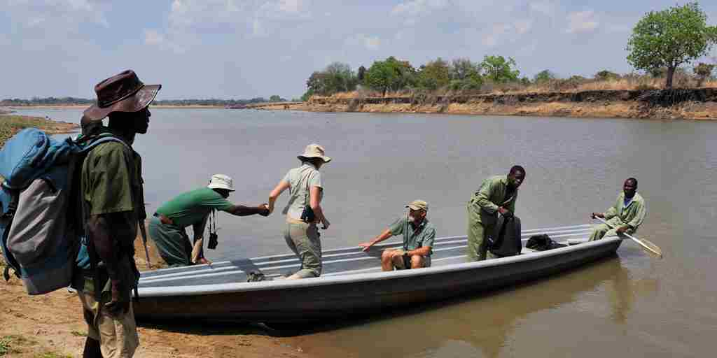 RAS - CHIKOKO TRAILS - CANOE ACROSS THE LUANGWA RIVER.jpg