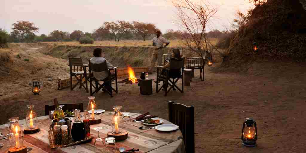 RAS - CHIKOKO TREE CAMP - OUTDOOR DINING.jpg