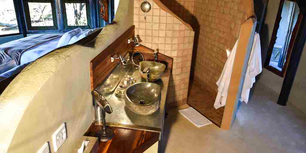 bush_camp_ensuite_chalet_2.jpg
