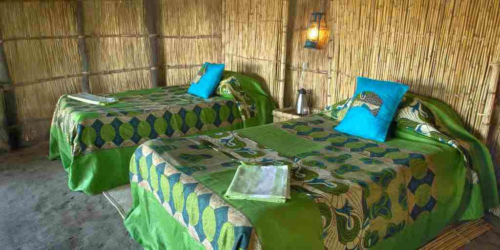 RAS   CROCODILE RIVER CAMP   TWIN BEDS