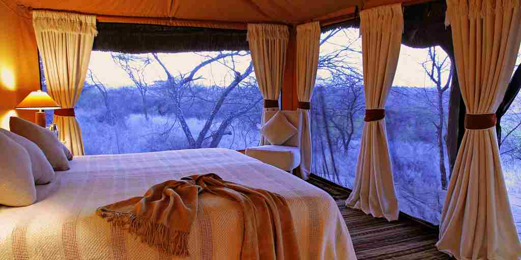 lewa safari camp   tent int