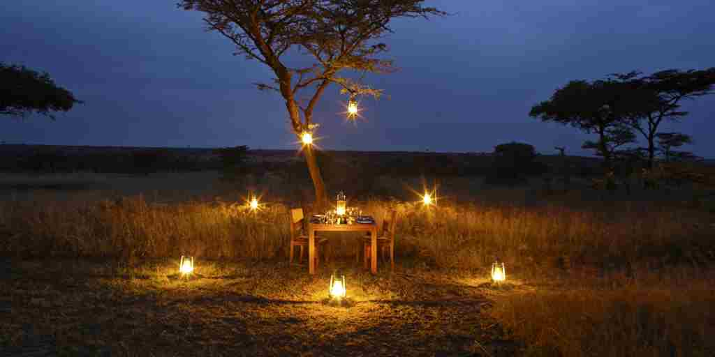 Naboisho-camp-bush-dinner-2.jpg