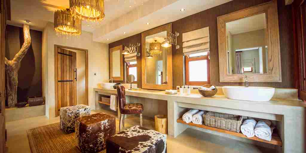 Bush Lodge - Luxury Villa - Dressing Room.jpg