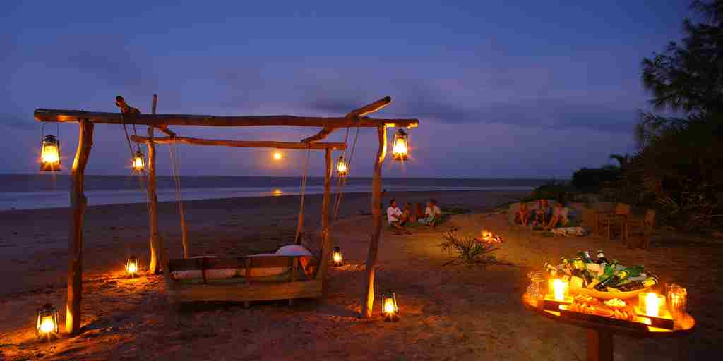 Swing Bed at Full Moon.jpg