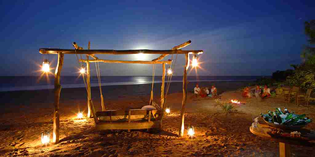 Swing Bed at Full Moon_1.jpg