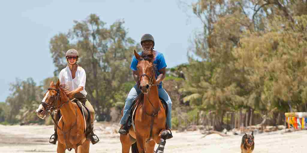 Kinondo Kwetu Hotel Horseriding on the beach kopia.jpg