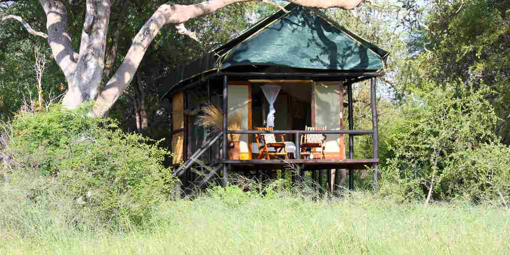 19. Imvelo Safari Lodges - Bomani Tented Lodge - Exterior view of a Hornbill Luxury Tent.jpg