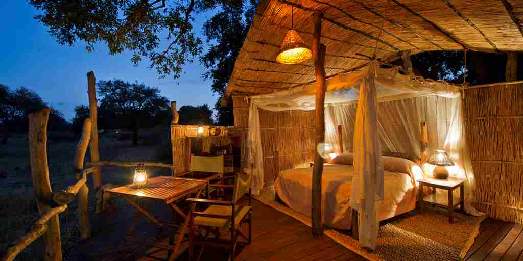 Jackalberry Treehouse master bedroom.jpg