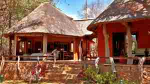 SAFARI LODGE (3).jpg