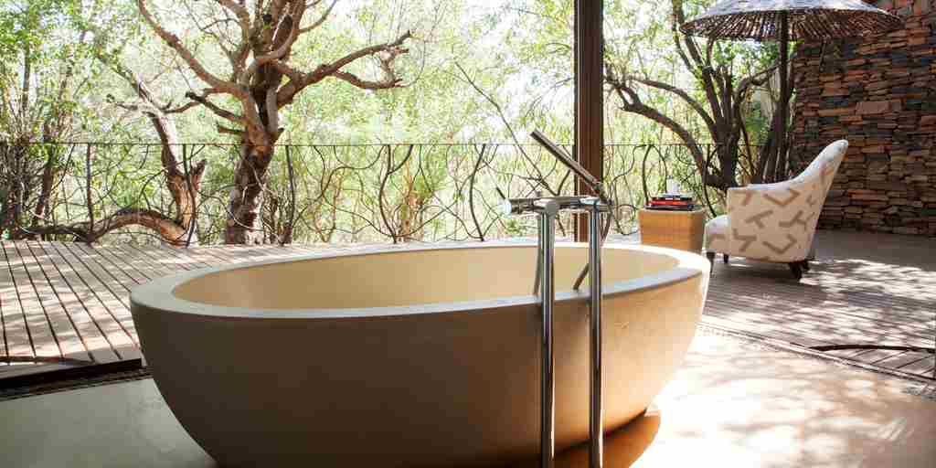 Sephiri bathtub high res