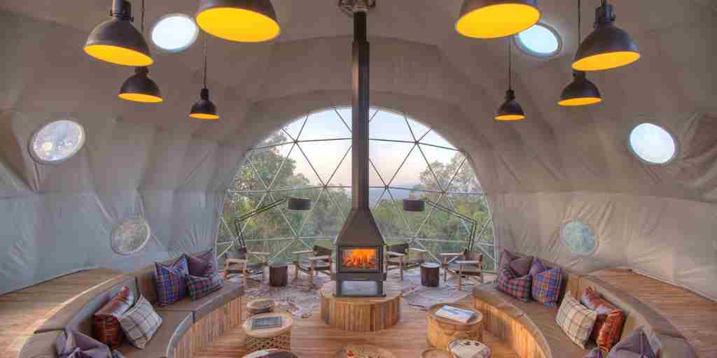 The-Highlands-lounge-dome-evening.jpg