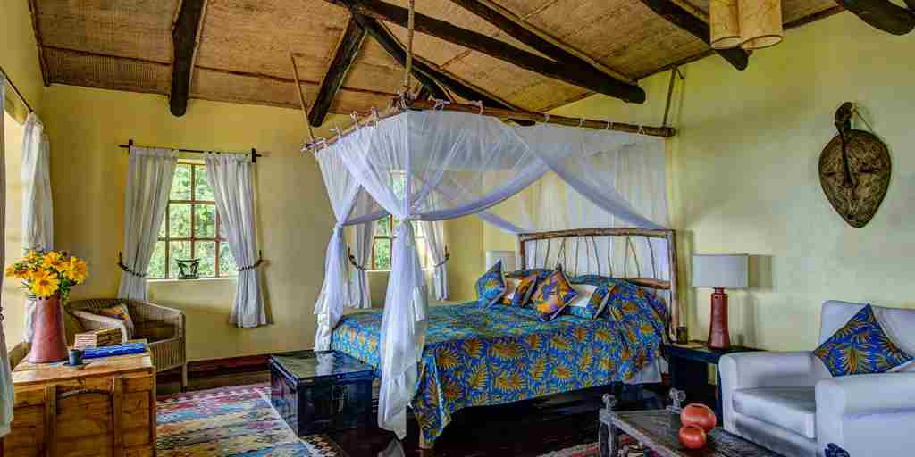 14 Virunga Banda interior
