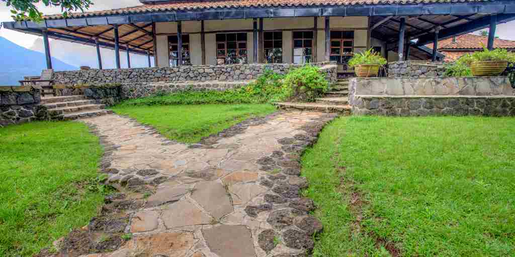 Randazoo-Virunga Lodge-201529.jpg (1)