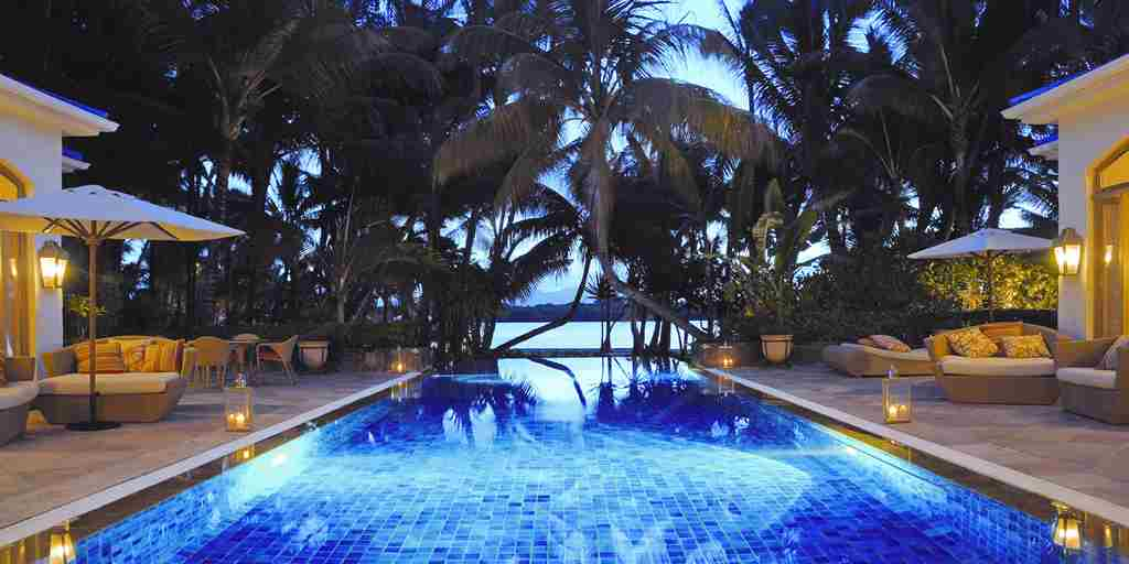 OneAndOnly_LeSaintGeran_Wellness_Spa_SpaPool2_HR.jpg