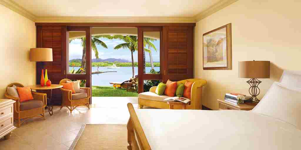 OneAndOnly_LeSaintGeran_Accommodation_JuniorSuite_LagoonView_HR.jpg