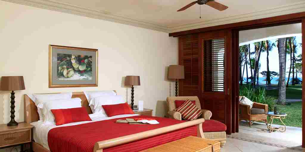 OneAndOnly_LeSaintGeran_Accommodation_OceanSuite4_HR.jpg