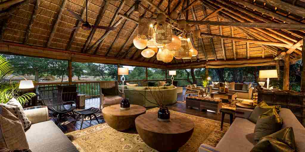 Bush Lodge   Safari Viewing Deck