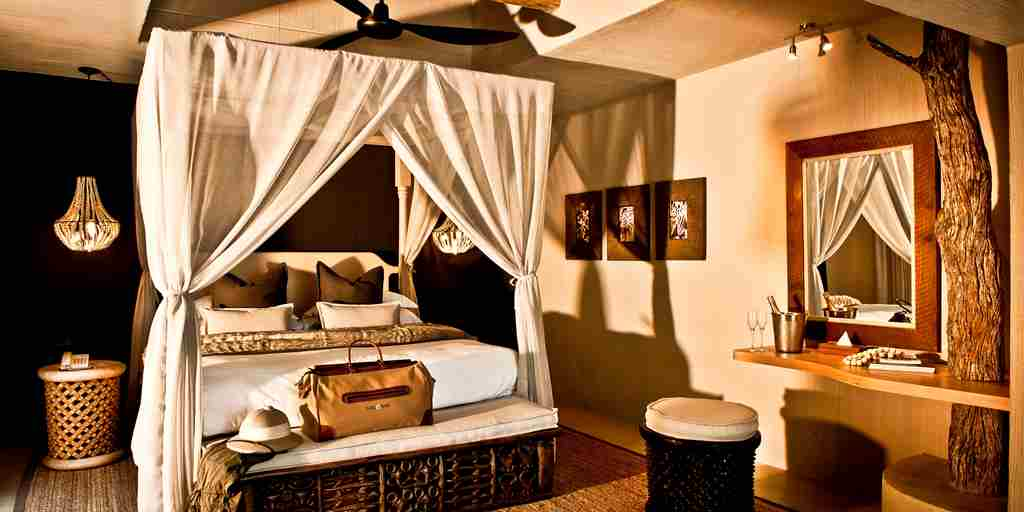 Bush Lodge - Mandleve Suite 1.jpg