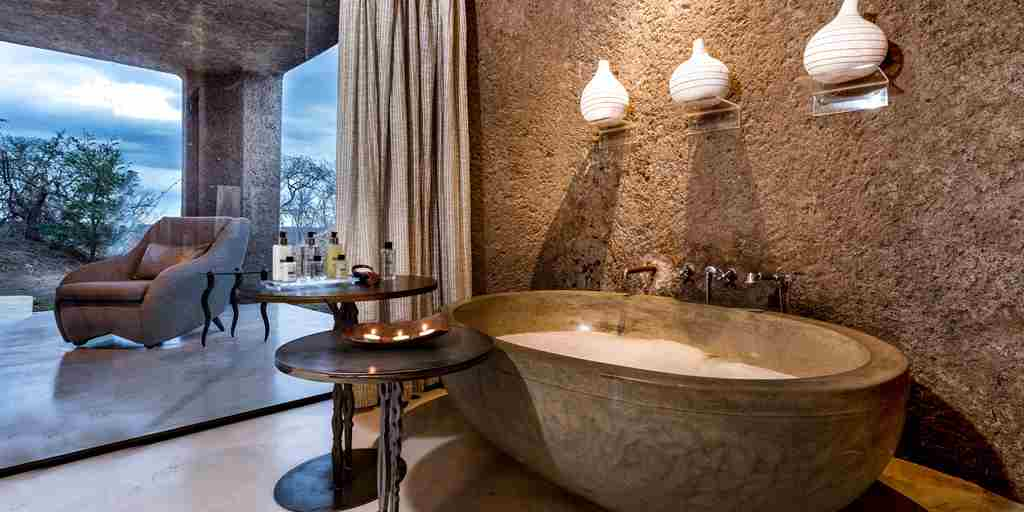 Earth Lodge Luxury Suite Bathroom 2.jpg