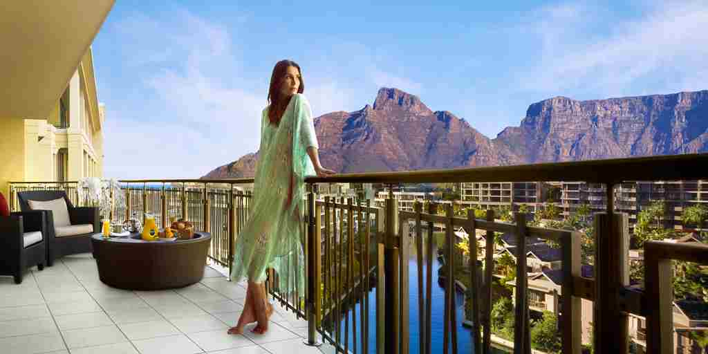 417-OO-Cape Town-Breakfast Balcony - long shot.JPG