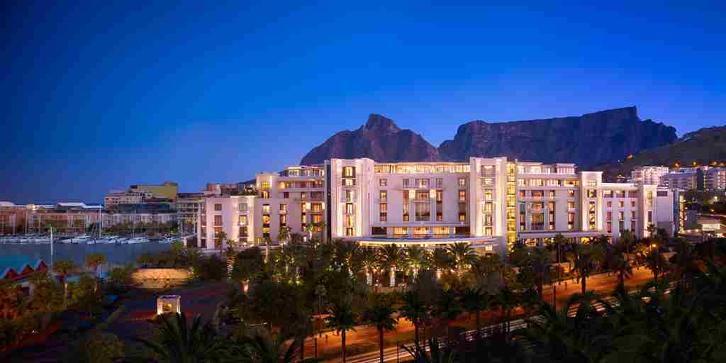 407-OO-Cape Town-Exterior Night.JPG