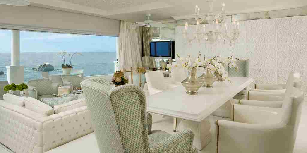 038. Presidential Suite Dining Room & Lounge.jpg