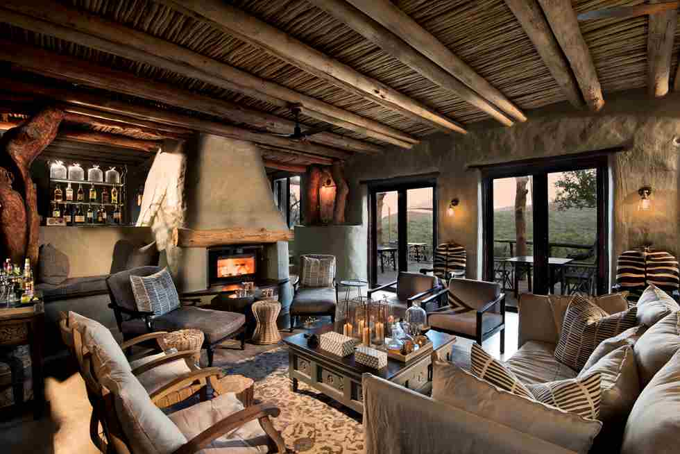 Sitting-area-at-Phinda-Rock-Lodge (2).jpg