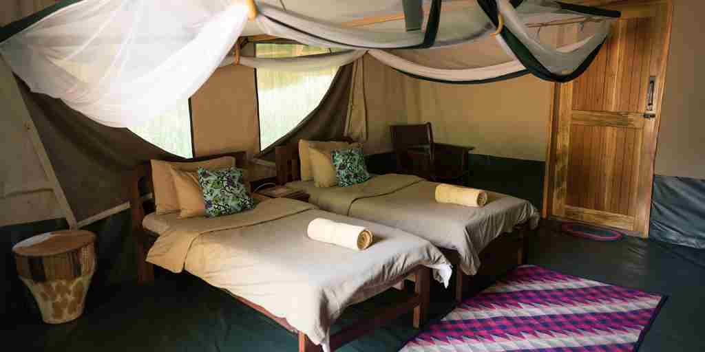 09. MRL thatched safari tent