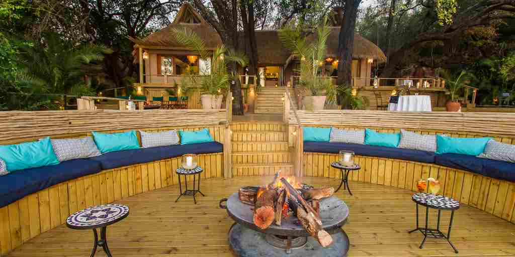 Firepit to dining room_1.jpg