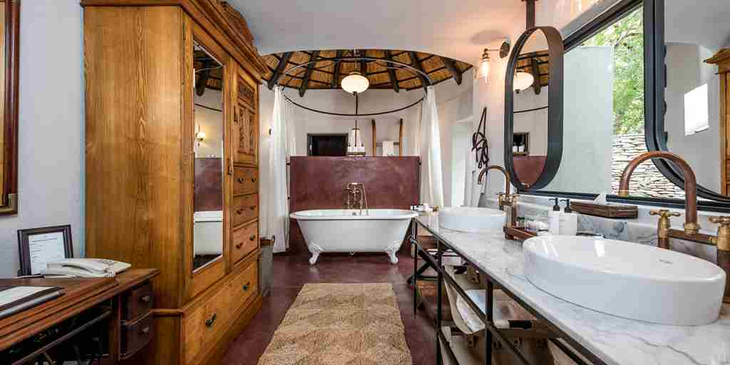 Selati Camp Suite Bathroom (3).jpg