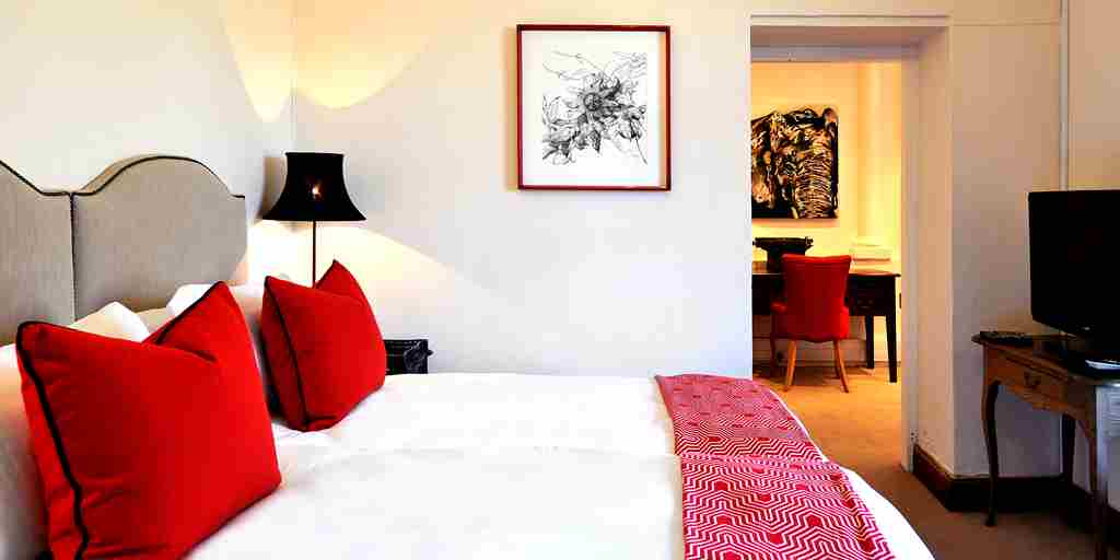 12. LA CLÉ DES MONTAGNES - Le Manoir - second bedroom.jpg
