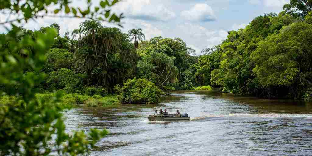 africa-boating-safari.jpg