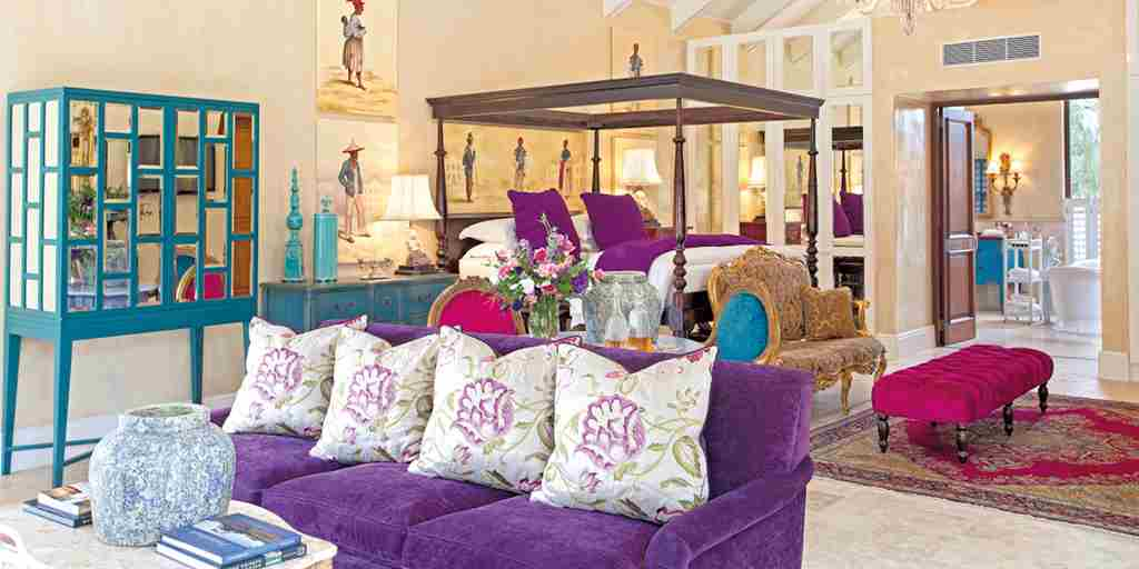 The-Royal-Portfolio-la-Residence-Villa-Suite-3-Lounge.jpg