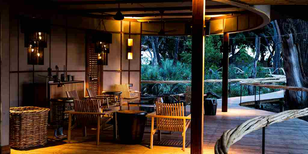 veranda-mombo-camp-botswana-yellow-zebra-safaris.jpg