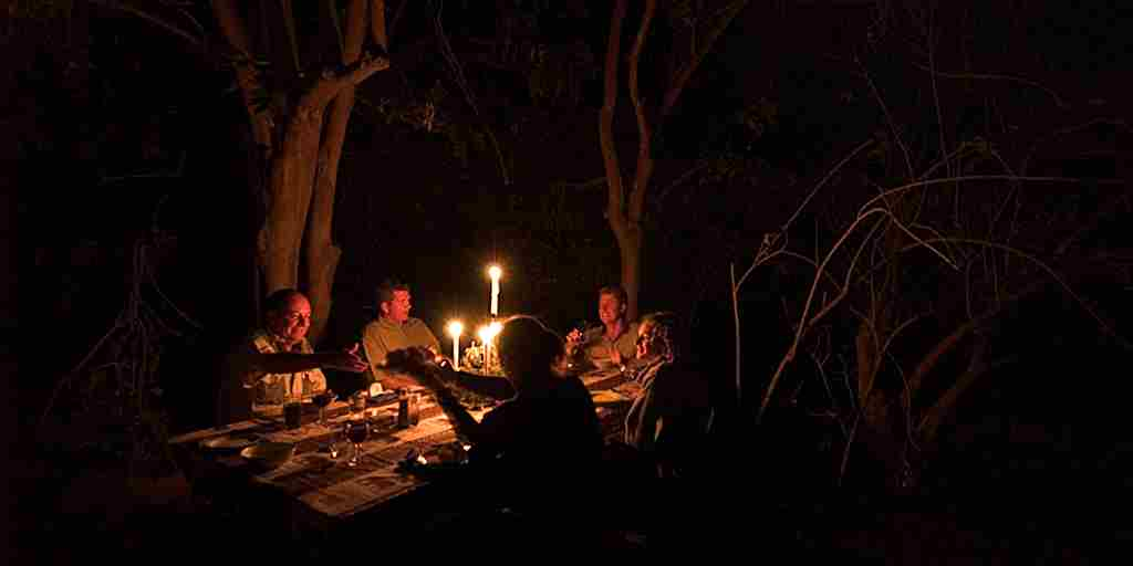 Safari dinner table