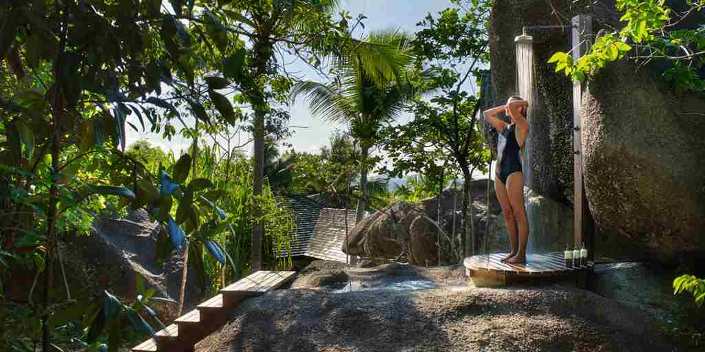 Pasyon-Pool-Villa-outdoor-shower.jpg