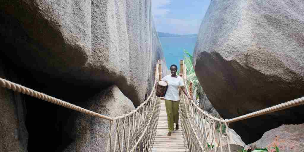 Six-Senses-Spa-rope-bridge.jpg