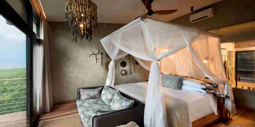 1._bumi_hills_safari_lodge_lake_kariba_zimbabwe_luxury_safari_lodge_lake_view_room_african_bush_camps_8.jpg