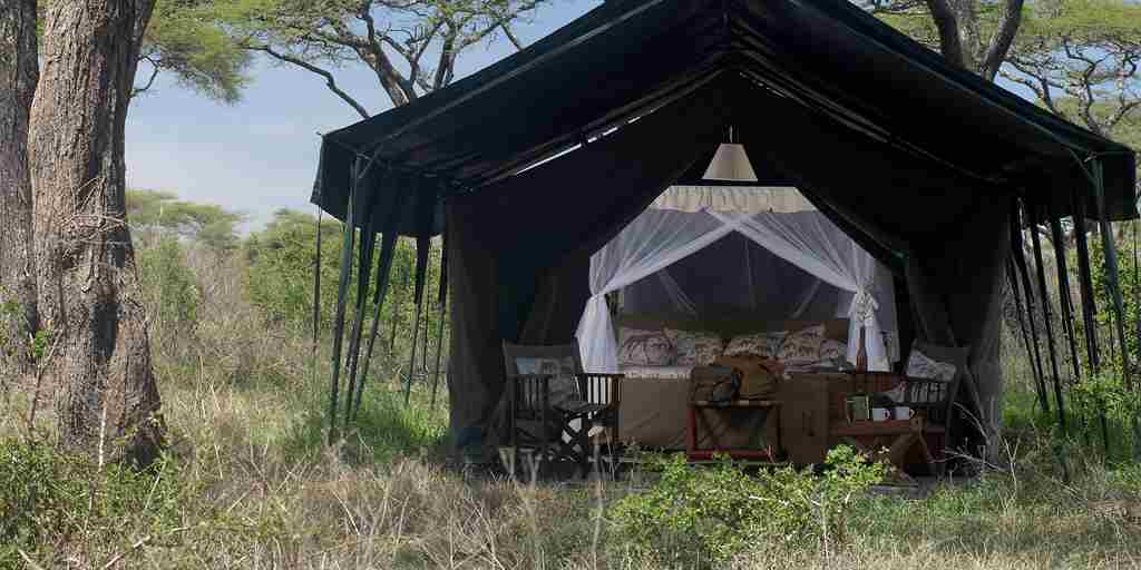 Remote-tent-in-the-serengeti.jpg