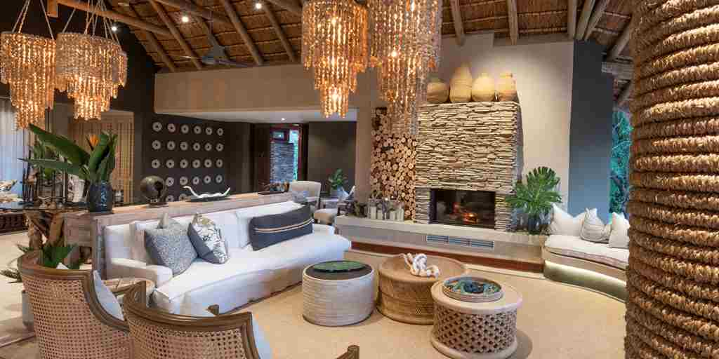 Luxury-main-area-safari-lodge.jpg