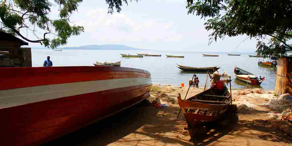 Rubondo-Island-local-fishing-boats-kasende-island.jpg
