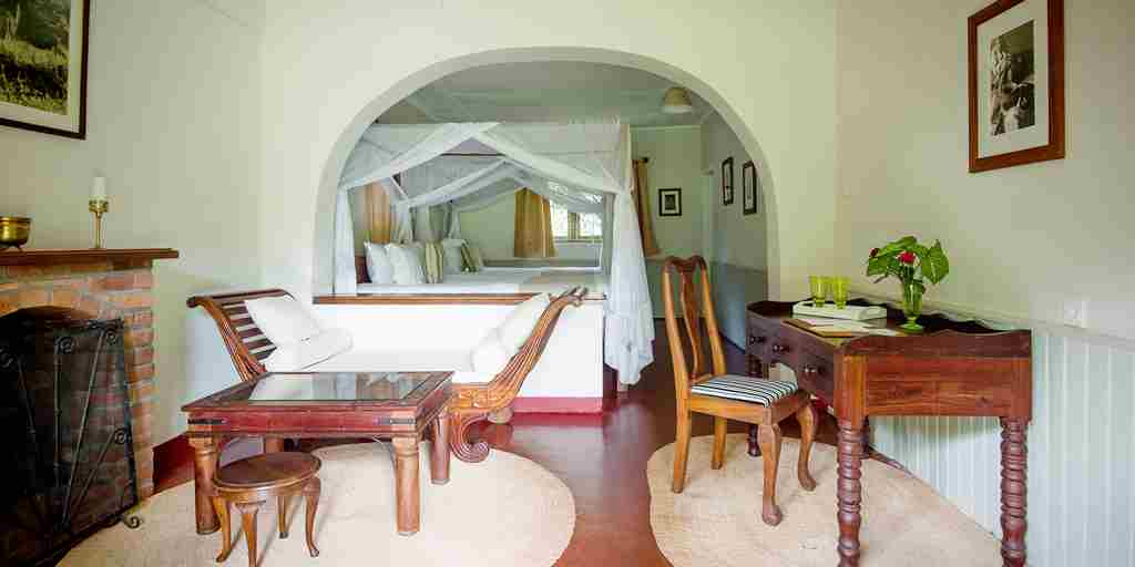 Mount-meru-game-lodge-bedroom.jpg
