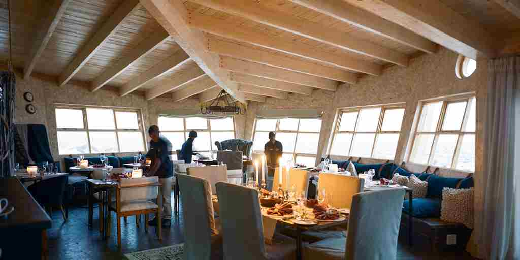 Shipwreck-Lodge-Main-area-and-dining-room.jpg