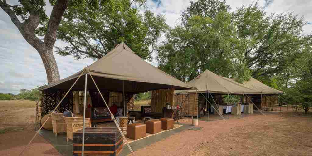 Hwange-bush-camp-exterior.jpg