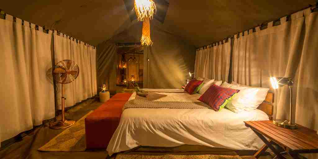 ZImbabwe-safari-camp-tent.jpg