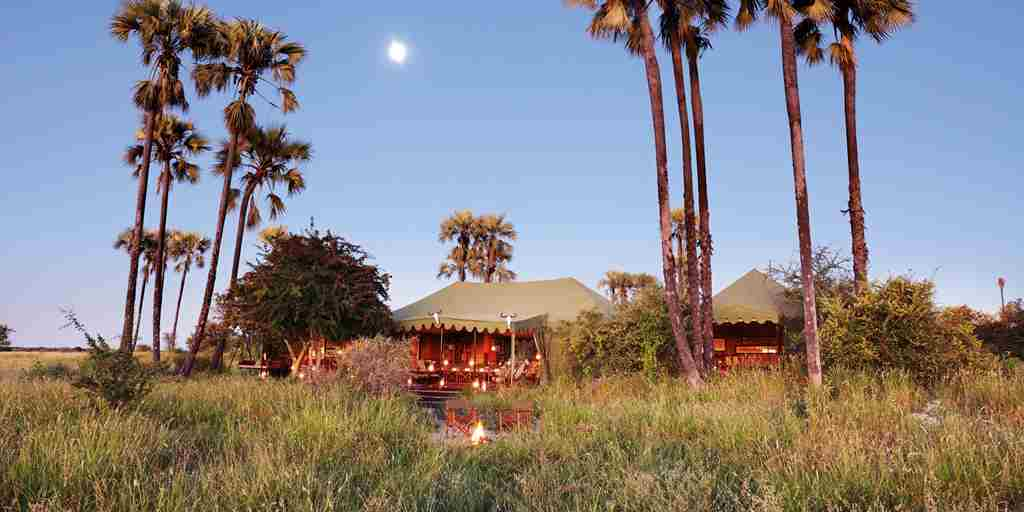Jack's Camp, Botswana - Main area & moon rise.jpg