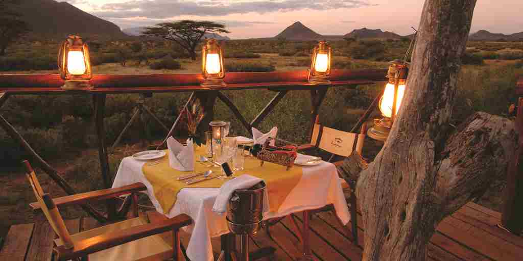 Kenya-Safari-treedeck-dinner.jpg