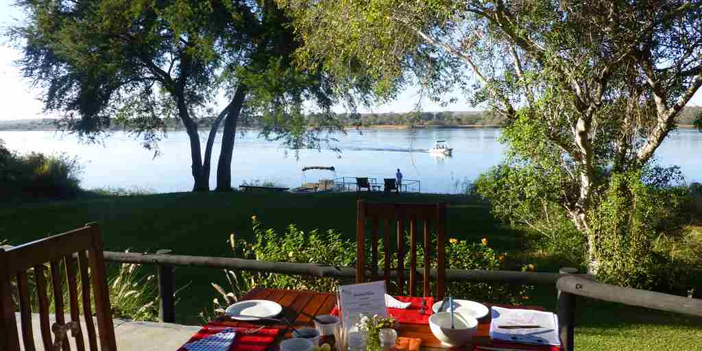 waterberry-lodge-breakfast-terrace.jpg