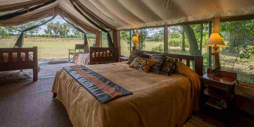 bedroom-governors-camp-kenya.jpg