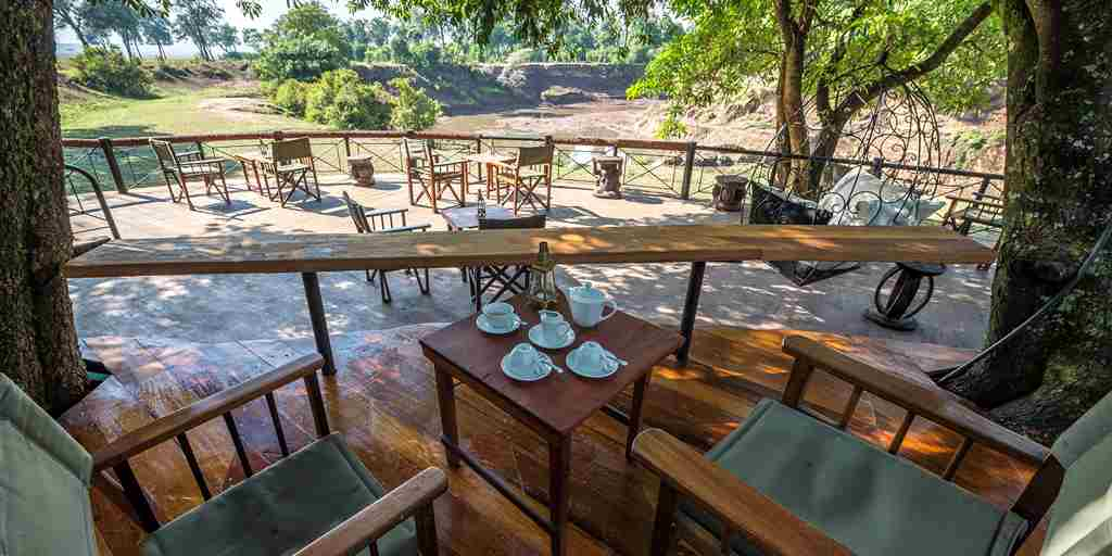 dining-area-governors-camp-kenya.jpg